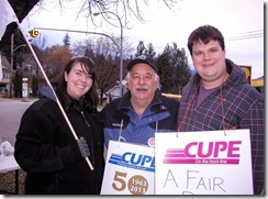 Stephanie Smith (left) COPE 378 President-FortisBC; Gerry Shmon (centre) Cupe 748 member and President of KDC & WKLC; Sean Smiith (right) USW 480 members & WKLC Executive