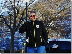 Armindo deMedeiros, USW 480 President speaker at rally in support of FortisBC locked out workers in Trail on December 7, 2013